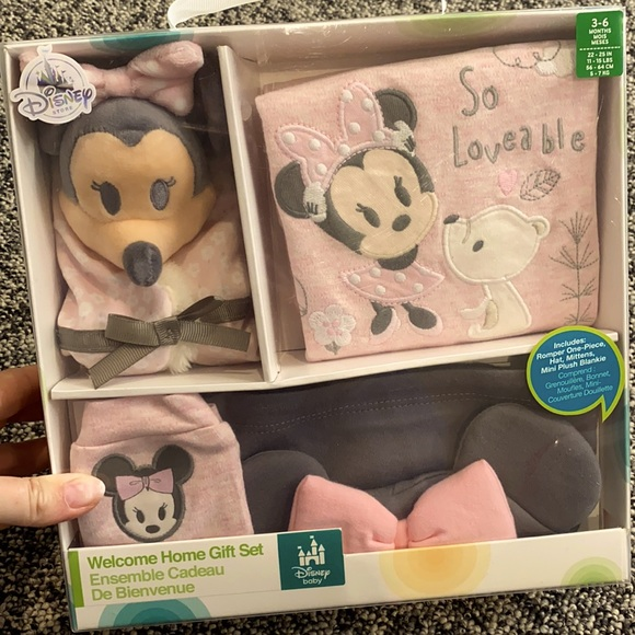 Welcome home Minnie gift set